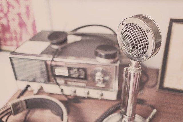 mikrofon sluchátka rádio