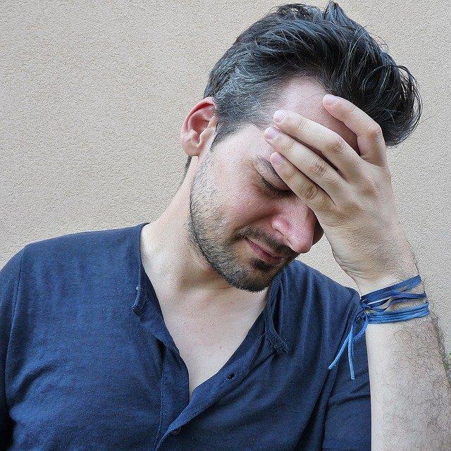bolest hlavy muže