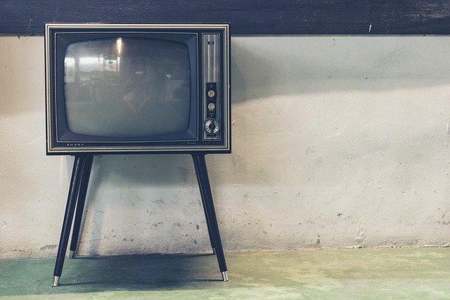televize na nožičkách
